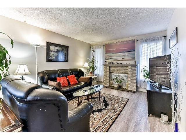 Main Photo: 6926 134 STREET in Surrey: West Newton House 1/2 Duplex for sale : MLS®# R2050097