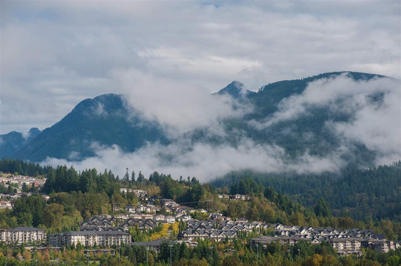 "Main Photo: 2205 3008 GLEN Drive in Coquitlam: North Coquitlam Condo for sale in ""MTWO"" : MLS®# R2405924"