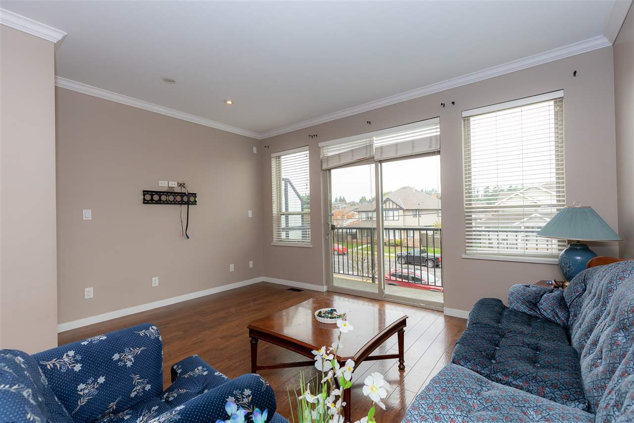 """Photo 8: Photos: 88 34248 KING Road in Abbotsford: Poplar Townhouse for sale in """"Argyle"""" : MLS®# R2415451"""