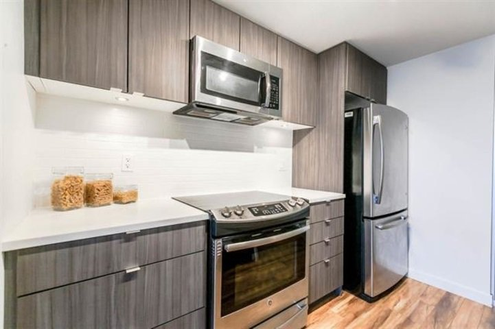 Main Photo: 323 289 E 6TH Avenue in Vancouver: Mount Pleasant VE Condo for sale (Vancouver East)  : MLS®# R2417661