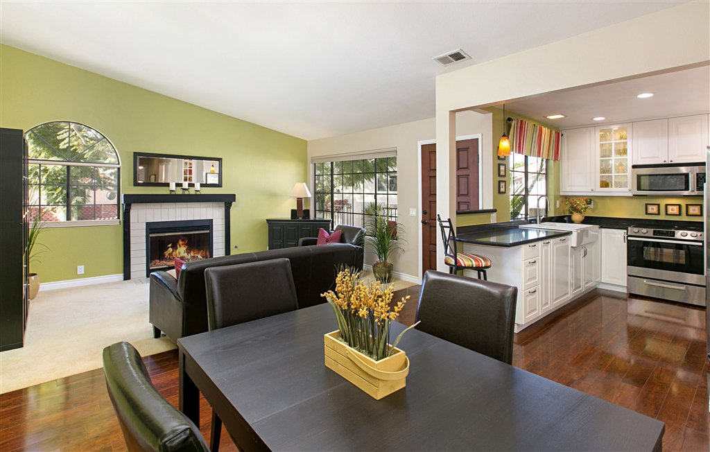 Main Photo: UNIVERSITY CITY Condo for sale : 2 bedrooms : 7604 Palmilla Dr #34 in San Diego
