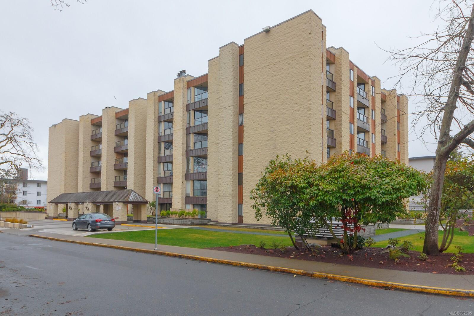 Main Photo: 210 1745 Leighton Rd in : Vi Jubilee Condo for sale (Victoria)  : MLS®# 862685