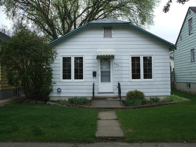 Main Photo: 439 Lariviere Street in WINNIPEG: St Boniface Residential for sale (South East Winnipeg)  : MLS®# 1208961
