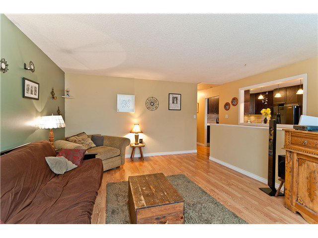 Photo 4: Photos: 11984 190TH Street in Pitt Meadows: Central Meadows House 1/2 Duplex for sale : MLS®# V994612