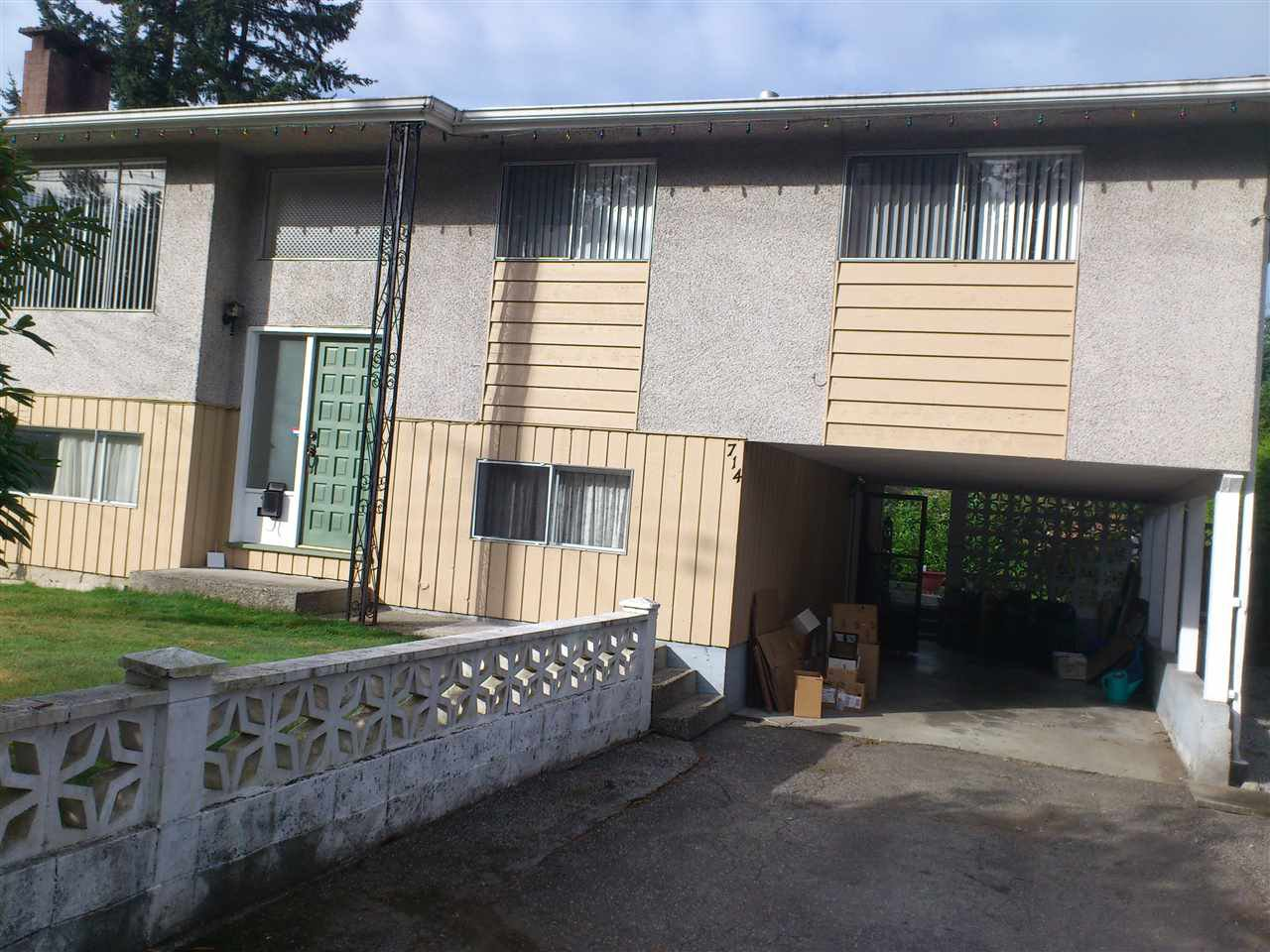 Main Photo: 714 WILMOT STREET in Coquitlam: Central Coquitlam House for sale : MLS®# R2083863