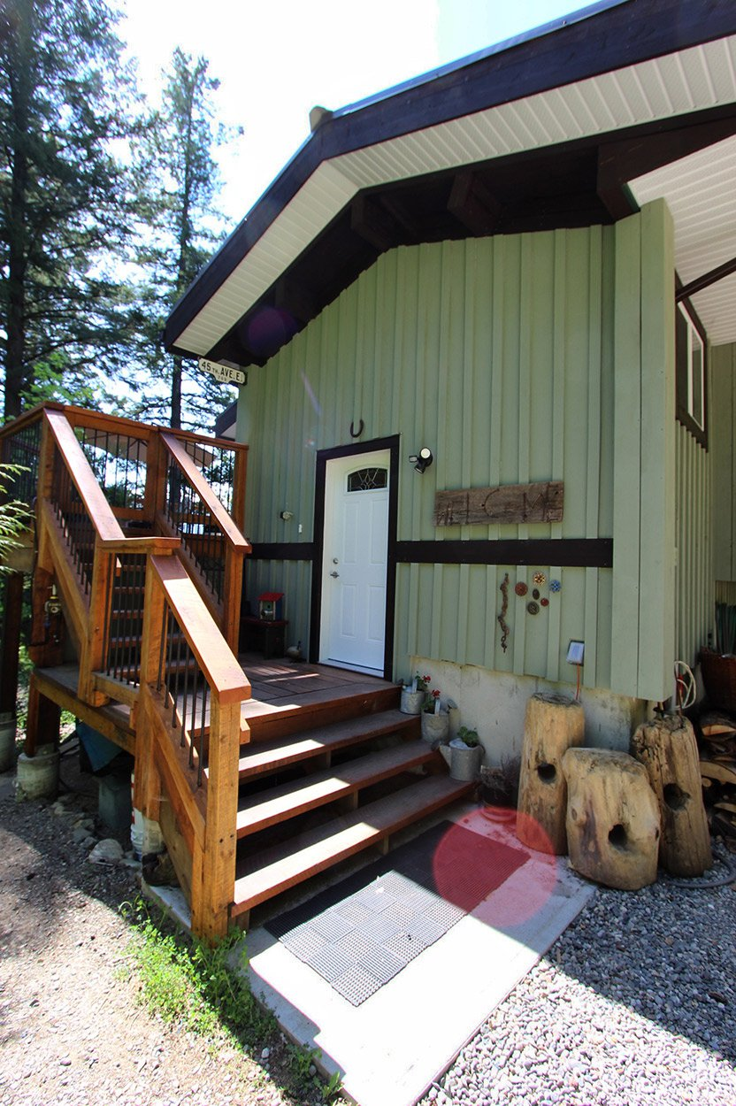 Photo 11: Photos: 2585 Airstrip Road in Anglemont: House for sale : MLS®# 10183062