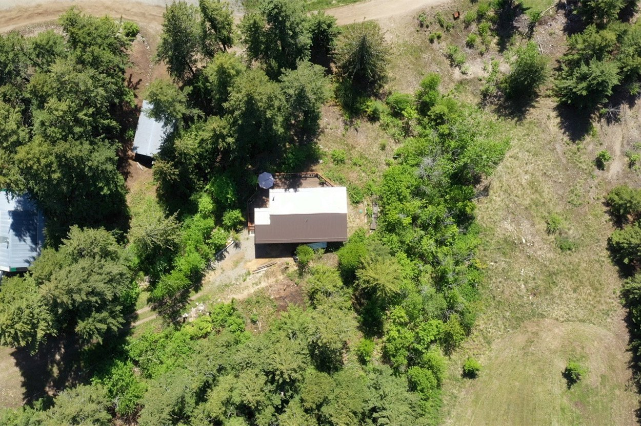 Photo 35: Photos: 2585 Airstrip Road in Anglemont: House for sale : MLS®# 10183062