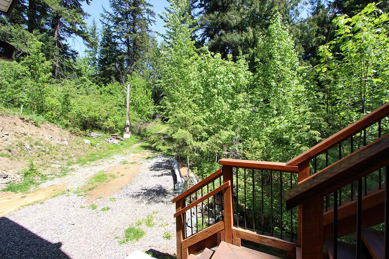 Photo 12: Photos: 2585 Airstrip Road in Anglemont: House for sale : MLS®# 10183062