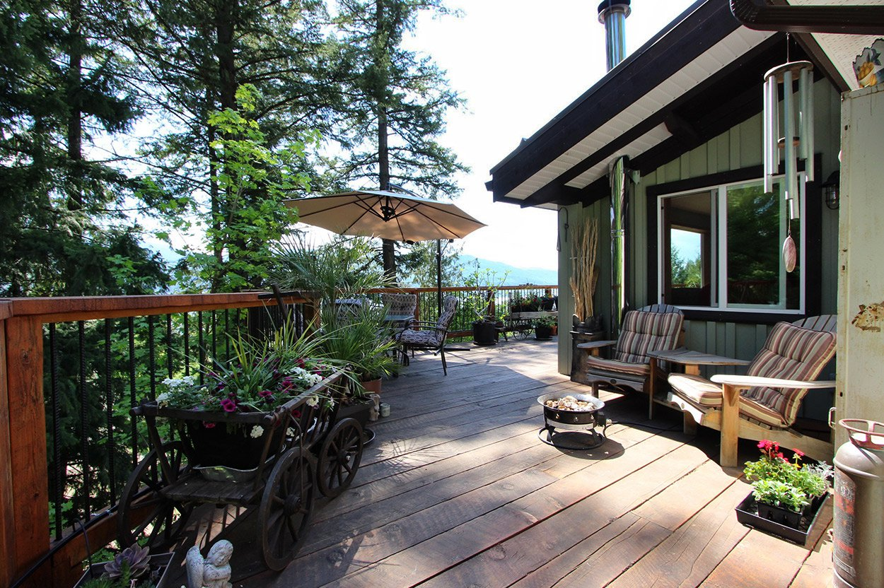 Photo 28: Photos: 2585 Airstrip Road in Anglemont: House for sale : MLS®# 10183062