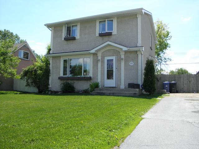 Main Photo: 22 Bourkewood Place in WINNIPEG: St James Residential for sale (West Winnipeg)  : MLS®# 1311947