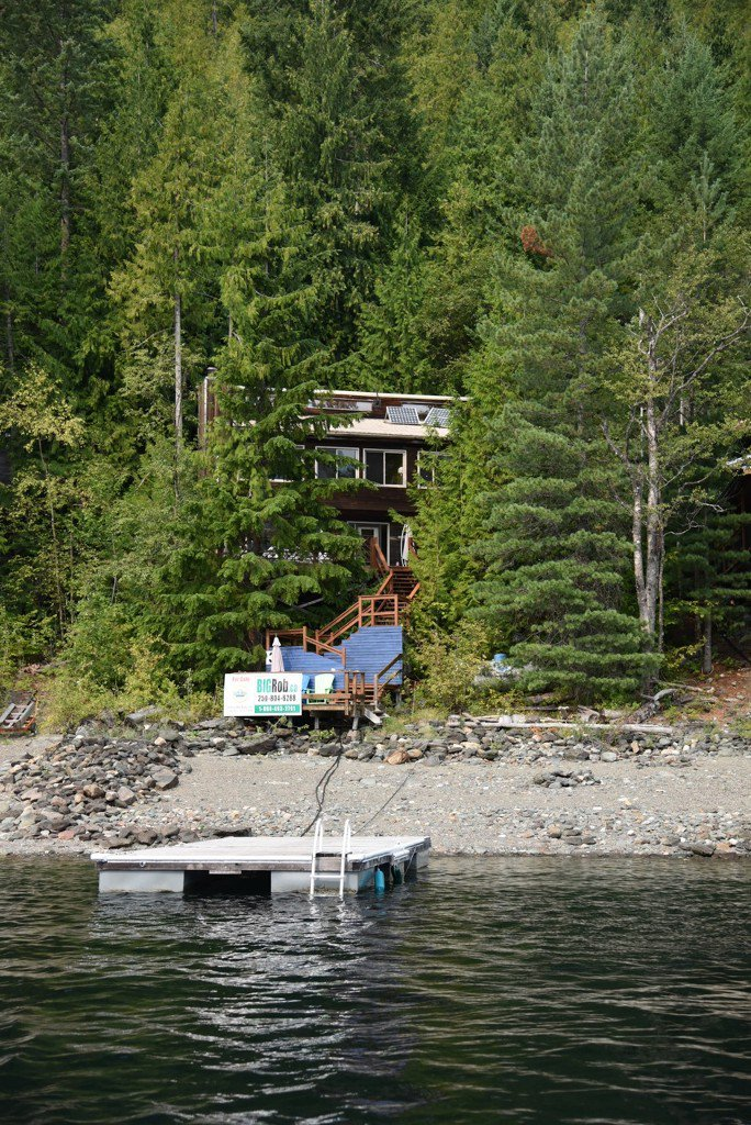 Photo 2: Photos: 3 Aline Hill Beach in Shuswap Lake: The Narrows House for sale : MLS®# 10152873