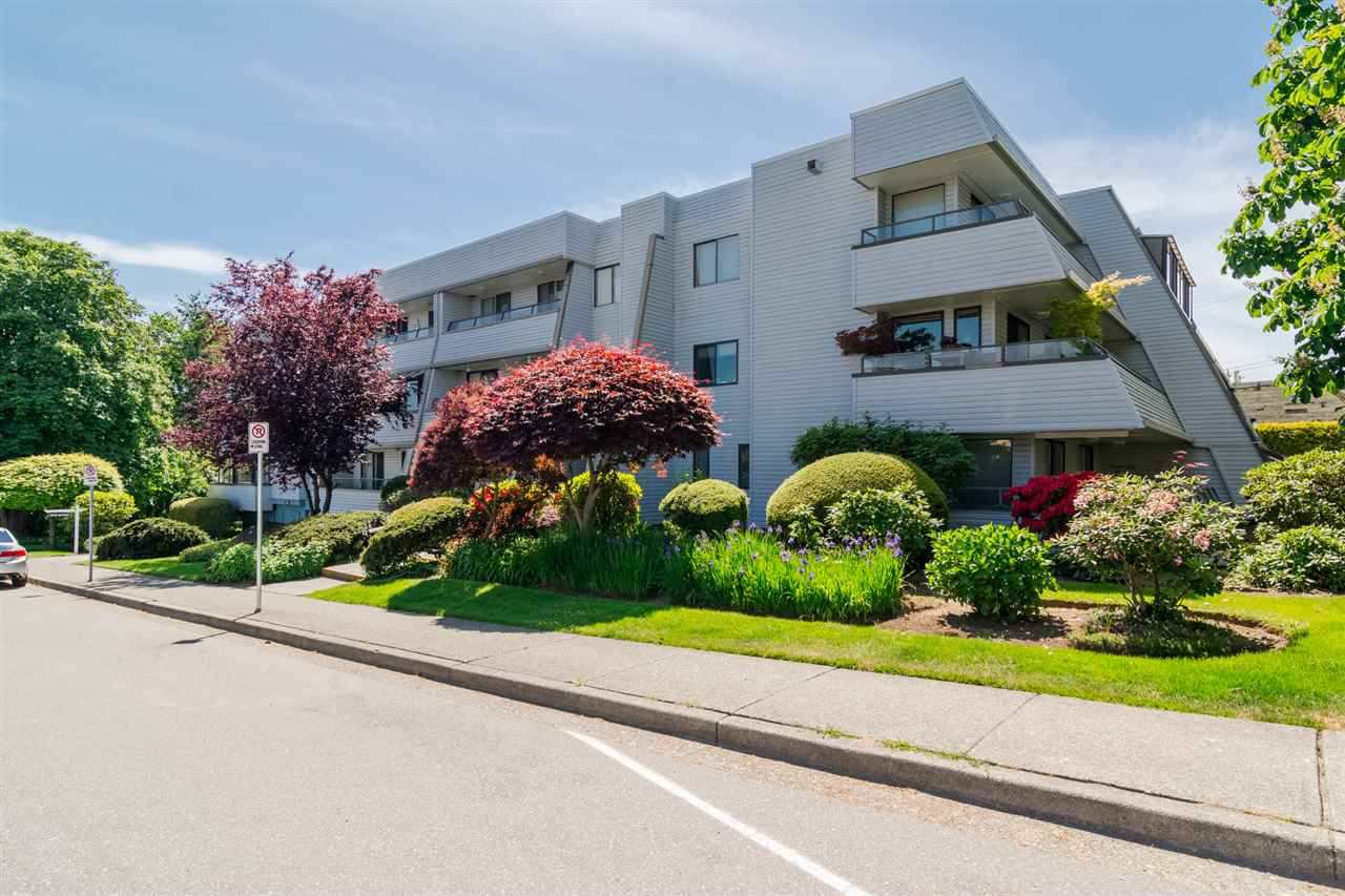 "Main Photo: 104 1341 GEORGE Street: White Rock Condo for sale in ""Oceanview"" (South Surrey White Rock)  : MLS®# R2445816"