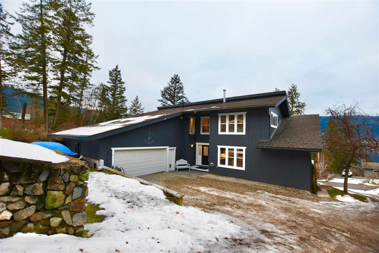 Main Photo: 2124 SOUTH LAKESIDE Drive in Williams Lake: Lakeside Rural House for sale (Williams Lake (Zone 27))  : MLS®# R2523093