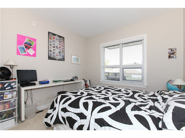 Photo 11: Photos: # 202 4689 52A ST in Ladner: Hawthorne Condo for sale : MLS®# V1061249