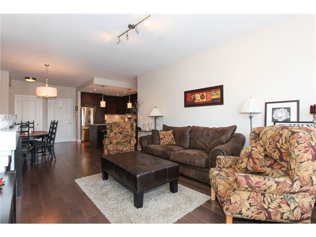 Photo 3: Photos: # 202 4689 52A ST in Ladner: Hawthorne Condo for sale : MLS®# V1061249