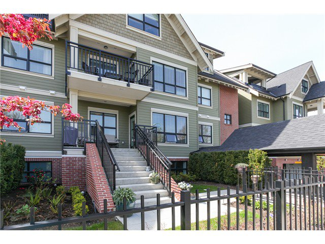 Photo 14: Photos: # 202 4689 52A ST in Ladner: Hawthorne Condo for sale : MLS®# V1061249