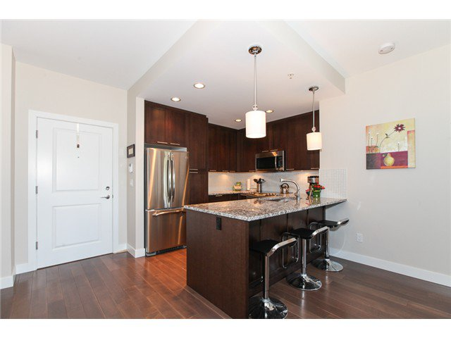 Photo 5: Photos: # 202 4689 52A ST in Ladner: Hawthorne Condo for sale : MLS®# V1061249