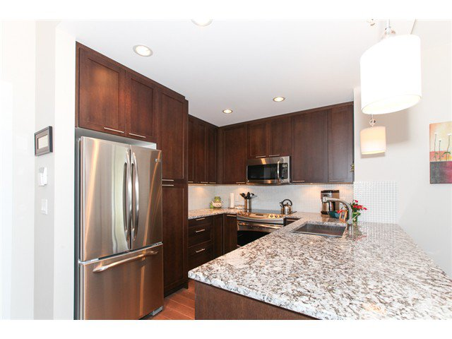 Photo 6: Photos: # 202 4689 52A ST in Ladner: Hawthorne Condo for sale : MLS®# V1061249