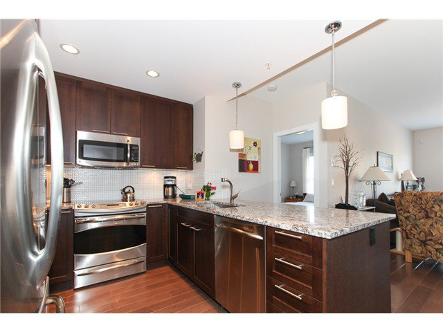Photo 7: Photos: # 202 4689 52A ST in Ladner: Hawthorne Condo for sale : MLS®# V1061249