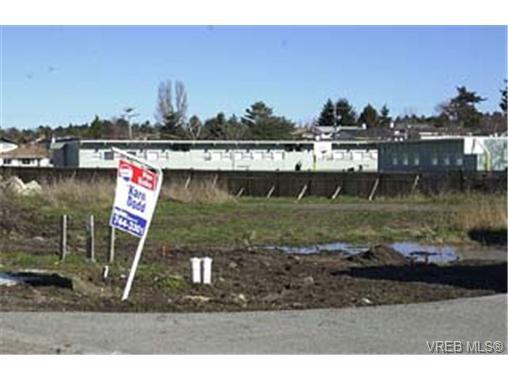 Main Photo: 4233 Oakview Pl in VICTORIA: SE Lambrick Park Land for sale (Saanich East)  : MLS®# 278923