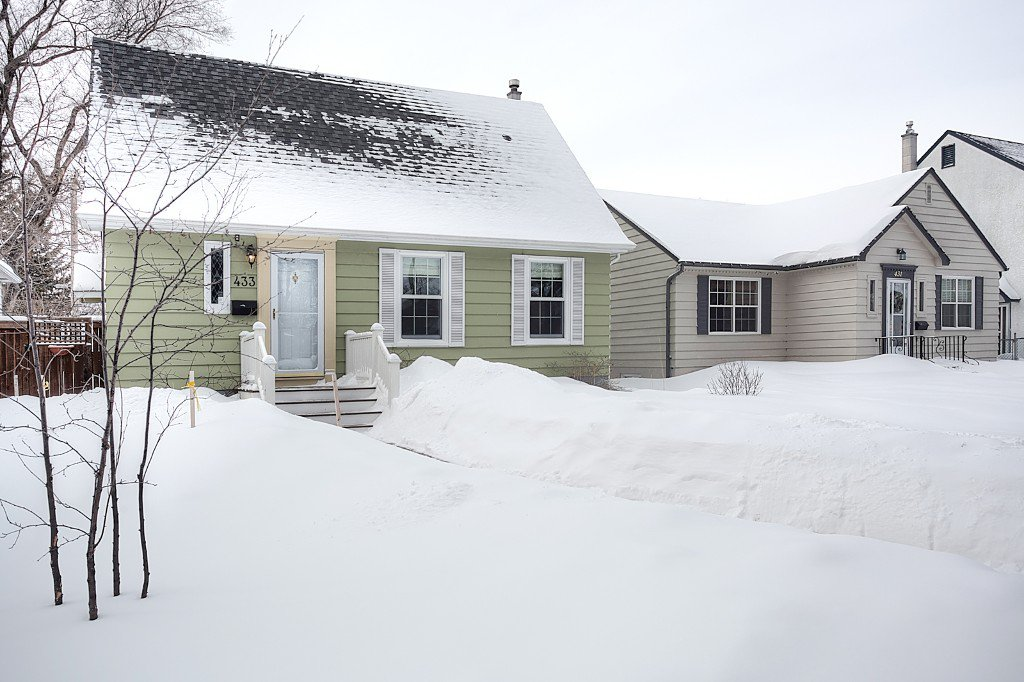 Main Photo: 433 Borebank Street in Winnipeg: River Heights North Single Family Detached for sale (1C)  : MLS®# 1702715