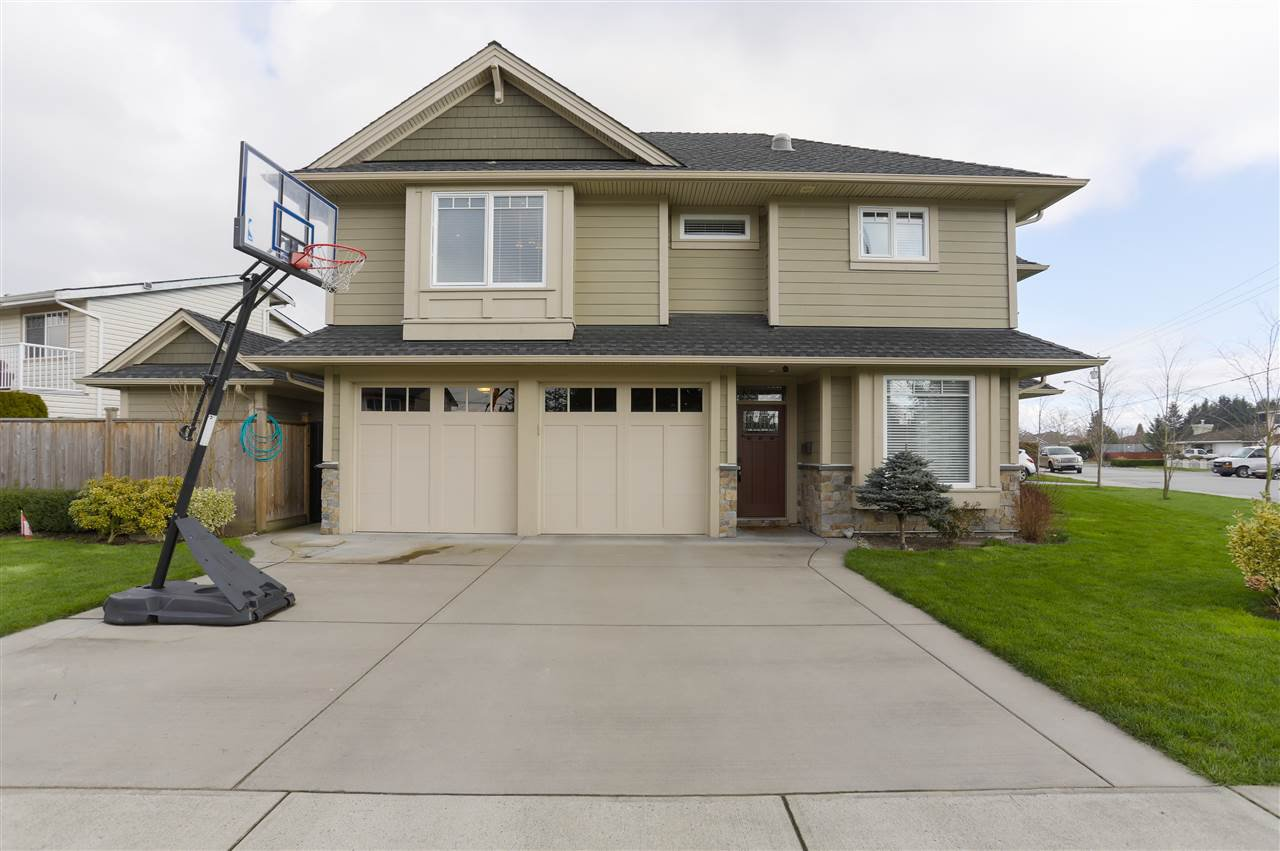 Main Photo: 6101 BRODIE Road in Delta: Holly House for sale (Ladner)  : MLS®# R2444895