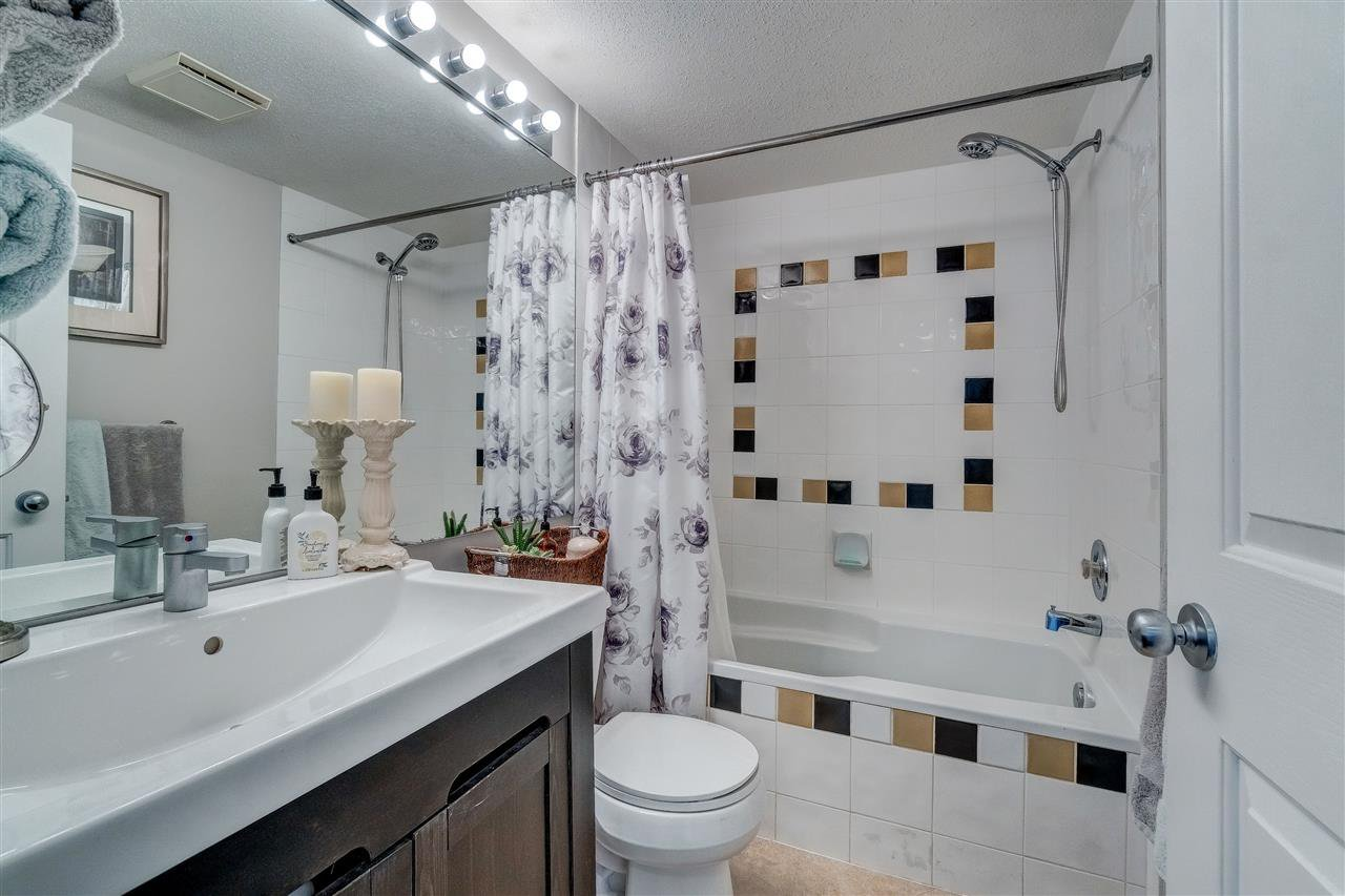 """Photo 8: Photos: 201 6336 197 Street in Langley: Willoughby Heights Condo for sale in """"Rockport"""" : MLS®# R2445272"""