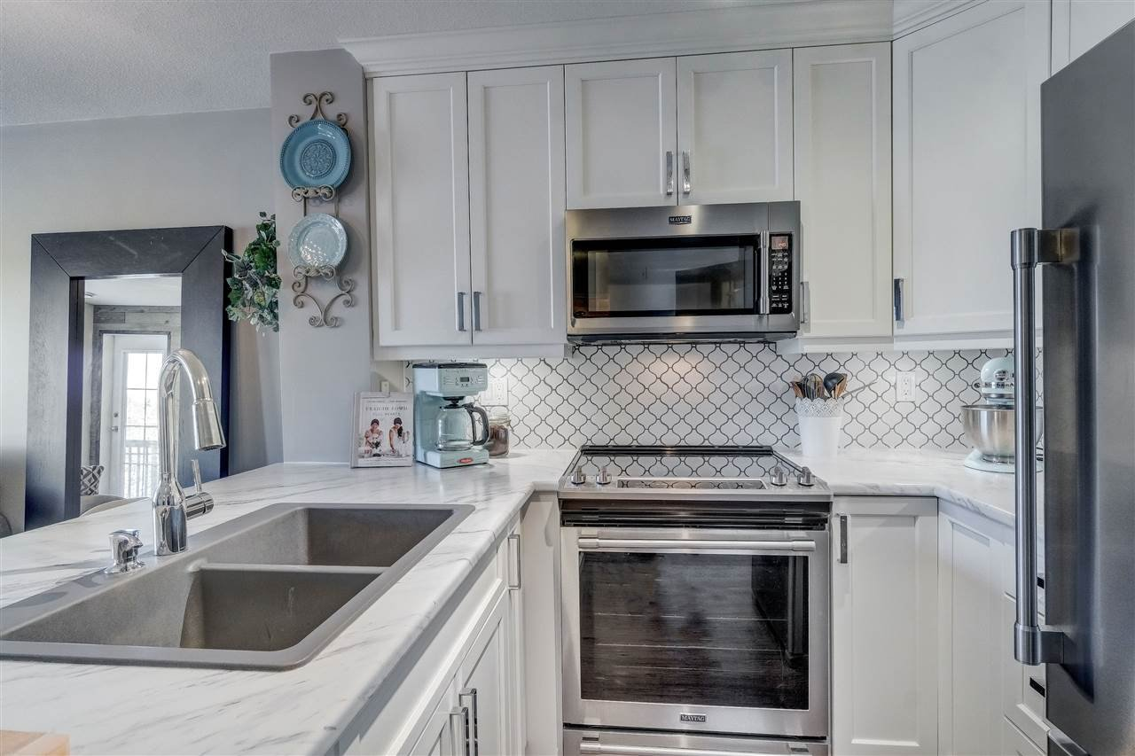 """Photo 2: Photos: 201 6336 197 Street in Langley: Willoughby Heights Condo for sale in """"Rockport"""" : MLS®# R2445272"""