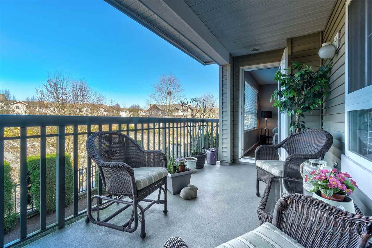 """Photo 18: Photos: 201 6336 197 Street in Langley: Willoughby Heights Condo for sale in """"Rockport"""" : MLS®# R2445272"""
