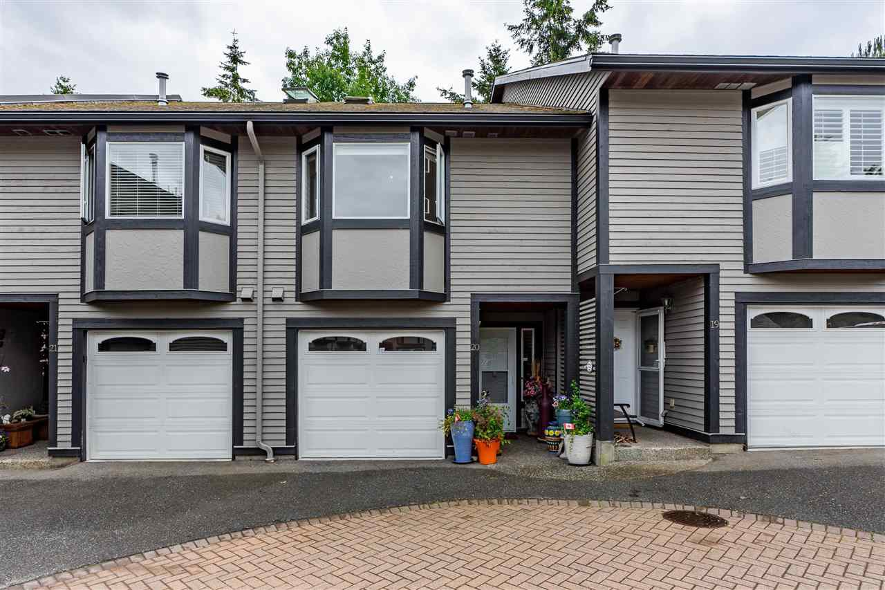 "Main Photo: 20 1828 LILAC Drive in White Rock: King George Corridor Townhouse for sale in ""Lilac Green"" (South Surrey White Rock)  : MLS®# R2464262"