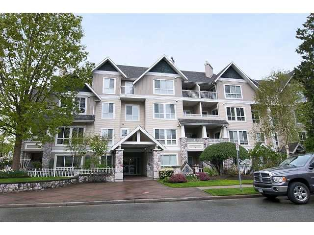 "Main Photo: 215 19091 MCMYN Road in Pitt Meadows: Mid Meadows Condo for sale in ""MCMYN MEWS"" : MLS®# V948601"
