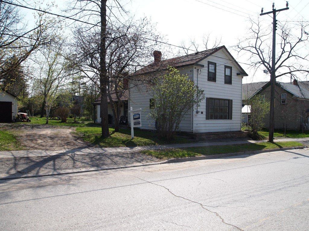 Main Photo: 435 Simcoe Street in Beaverton: Durham Freehold for sale (Brock)  : MLS®# N2884032/1442669