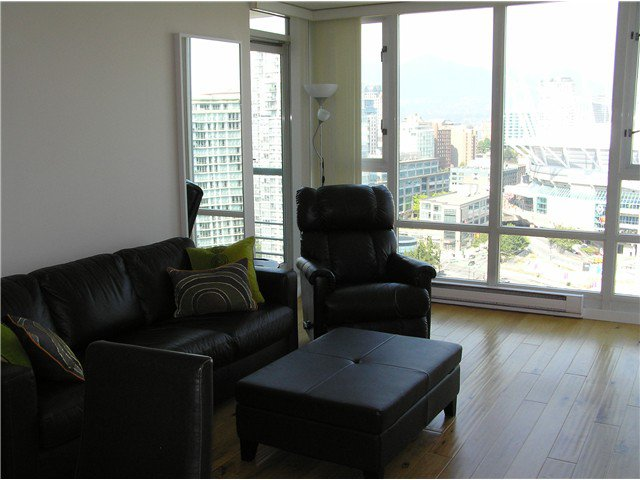 Photo 5: Photos: # 2702 1033 MARINASIDE CR in Vancouver: Yaletown Condo for sale (Vancouver West)  : MLS®# V1088112