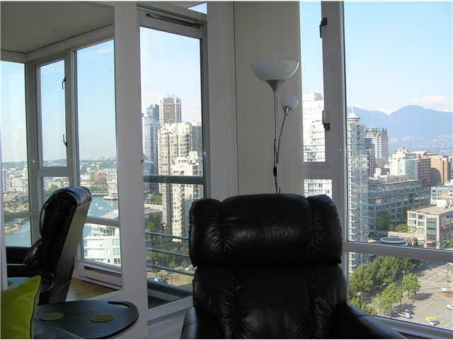 Photo 6: Photos: # 2702 1033 MARINASIDE CR in Vancouver: Yaletown Condo for sale (Vancouver West)  : MLS®# V1088112