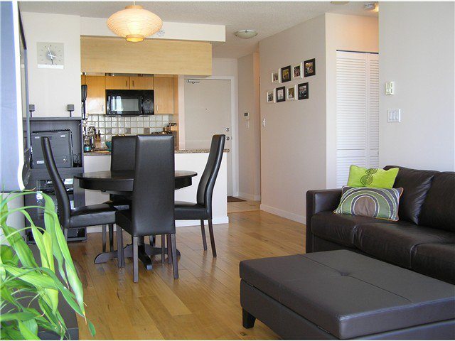 Photo 11: Photos: # 2702 1033 MARINASIDE CR in Vancouver: Yaletown Condo for sale (Vancouver West)  : MLS®# V1088112