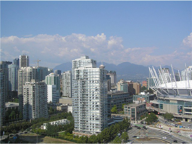 Photo 9: Photos: # 2702 1033 MARINASIDE CR in Vancouver: Yaletown Condo for sale (Vancouver West)  : MLS®# V1088112