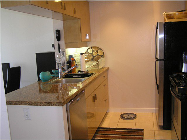 Photo 13: Photos: # 2702 1033 MARINASIDE CR in Vancouver: Yaletown Condo for sale (Vancouver West)  : MLS®# V1088112
