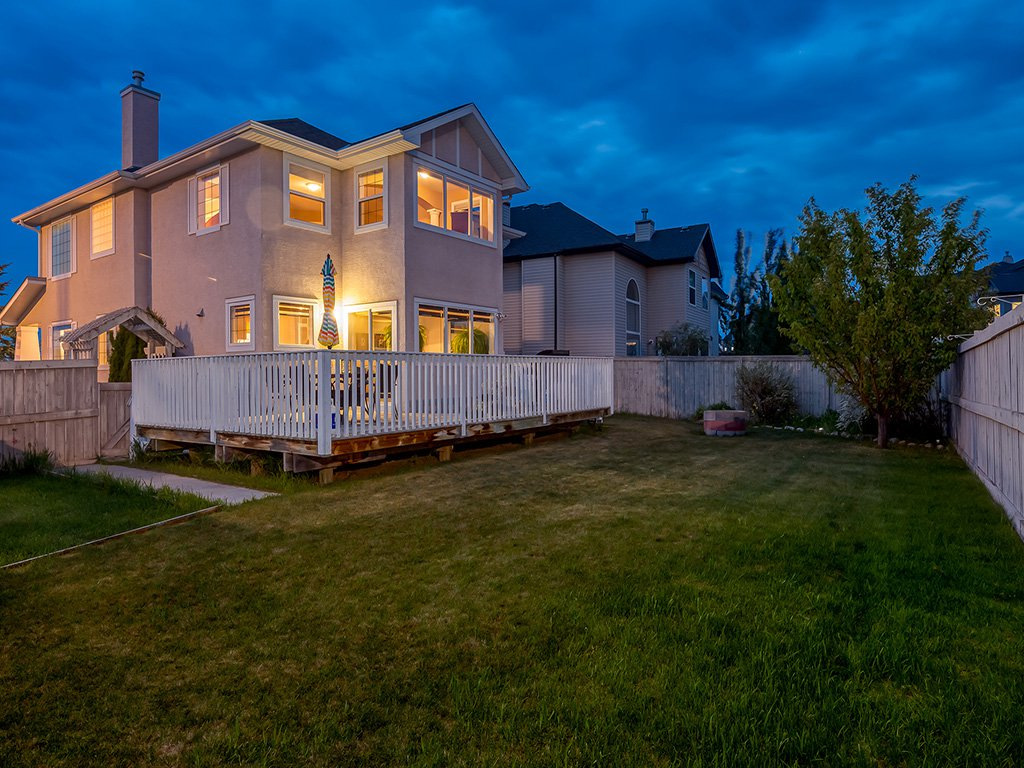Photo 49: Photos: 311 Cresthaven Place SW in Calgary: Crestmont House for sale : MLS®# c4015009