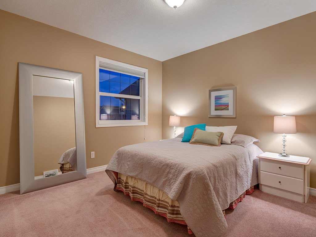 Photo 28: Photos: 311 Cresthaven Place SW in Calgary: Crestmont House for sale : MLS®# c4015009