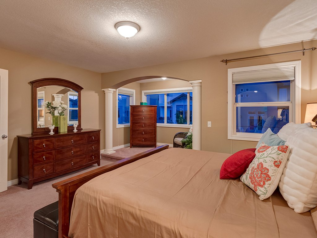 Photo 22: Photos: 311 Cresthaven Place SW in Calgary: Crestmont House for sale : MLS®# c4015009
