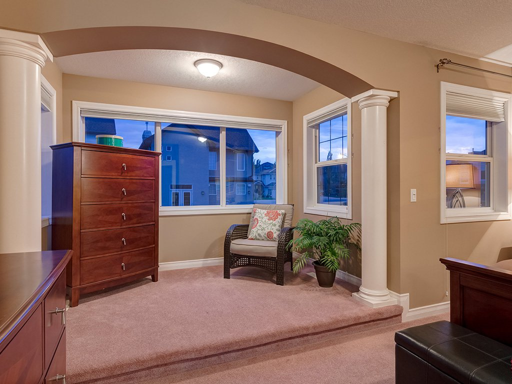 Photo 20: Photos: 311 Cresthaven Place SW in Calgary: Crestmont House for sale : MLS®# c4015009