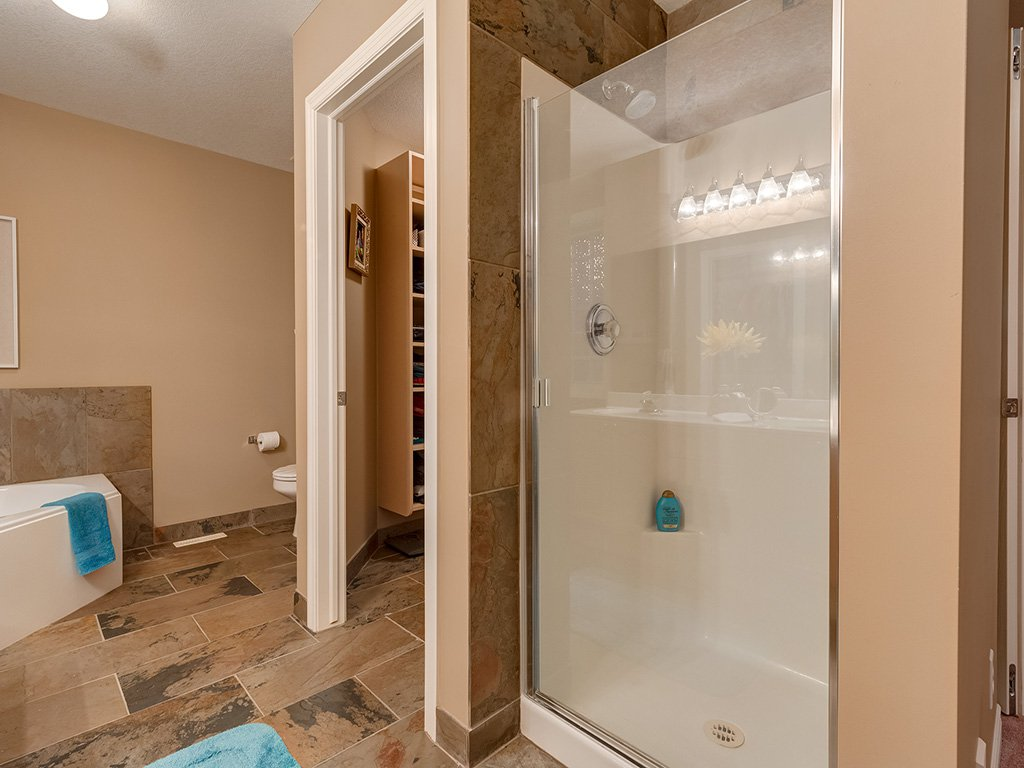 Photo 24: Photos: 311 Cresthaven Place SW in Calgary: Crestmont House for sale : MLS®# c4015009