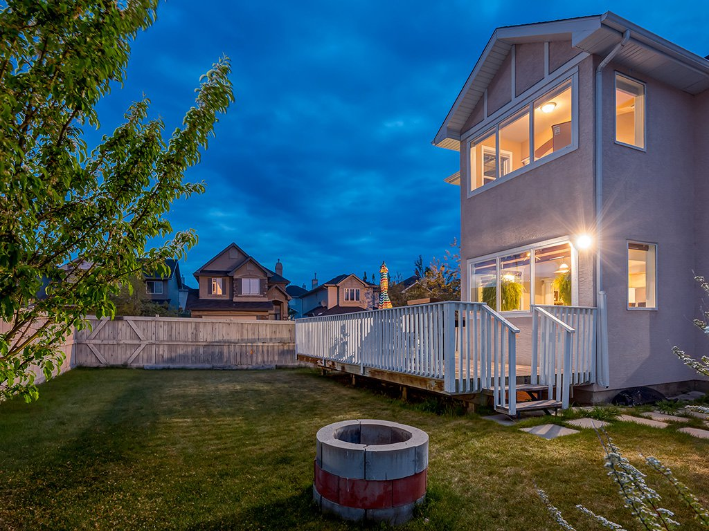 Photo 48: Photos: 311 Cresthaven Place SW in Calgary: Crestmont House for sale : MLS®# c4015009