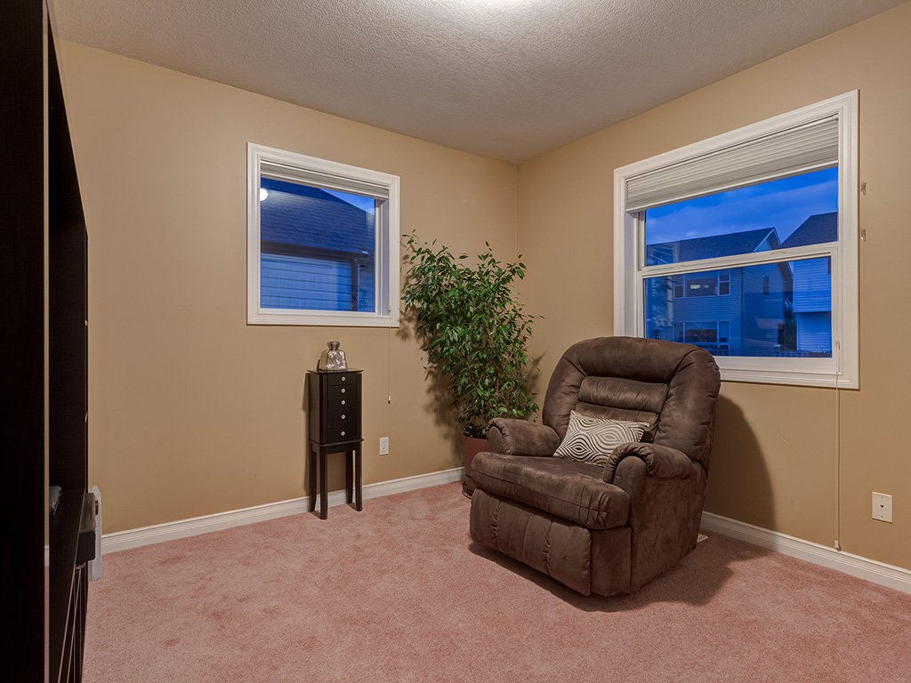 Photo 27: Photos: 311 Cresthaven Place SW in Calgary: Crestmont House for sale : MLS®# c4015009