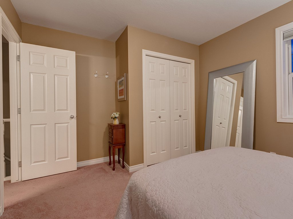 Photo 29: Photos: 311 Cresthaven Place SW in Calgary: Crestmont House for sale : MLS®# c4015009