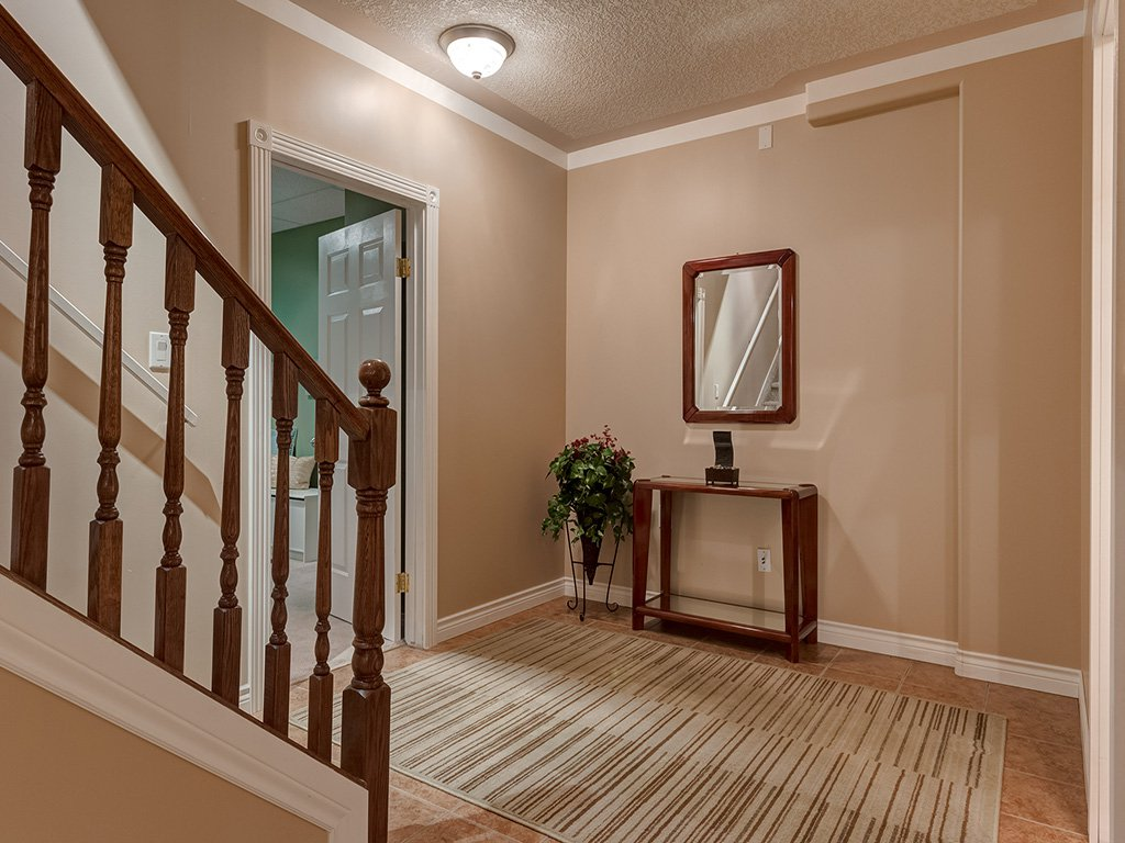 Photo 31: Photos: 311 Cresthaven Place SW in Calgary: Crestmont House for sale : MLS®# c4015009