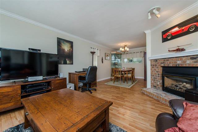 Photo 8: Photos: 8495 121a Street in Surrey: Queen Mary Park Surrey House for sale : MLS®# r2096268