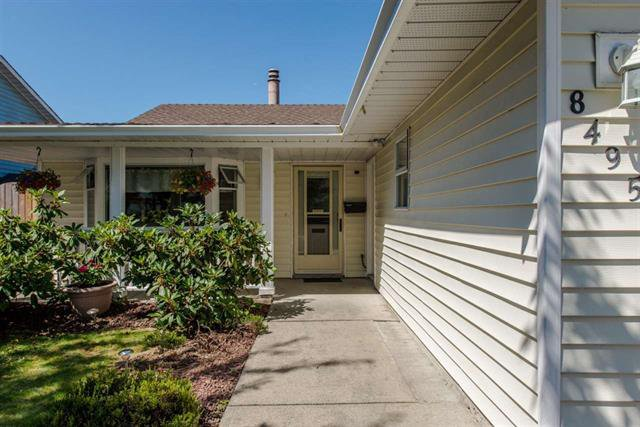 Photo 5: Photos: 8495 121a Street in Surrey: Queen Mary Park Surrey House for sale : MLS®# r2096268