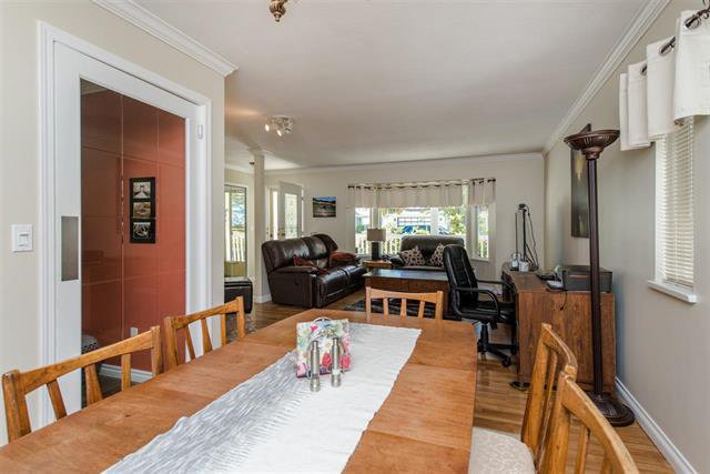 Photo 11: Photos: 8495 121a Street in Surrey: Queen Mary Park Surrey House for sale : MLS®# r2096268