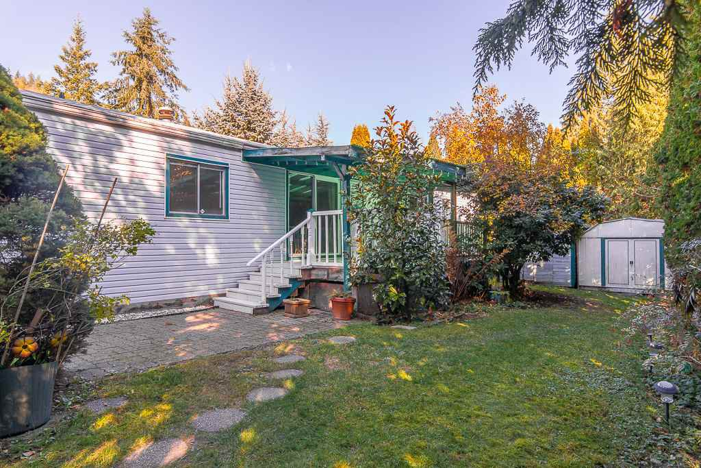 "Main Photo: 64 10221 WILSON Street in Mission: Stave Falls Manufactured Home for sale in ""TRIPLE CREEK ESTATES"" : MLS®# R2416224"